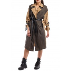 2 Colored trench coat