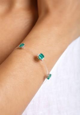 Emerald Plastic Shank Bracelet