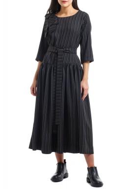 B wide dress