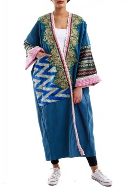 Green embroidered bisht
