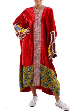 Red bisht
