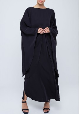 Crepe kaftan with oversized flowy sleeves Black