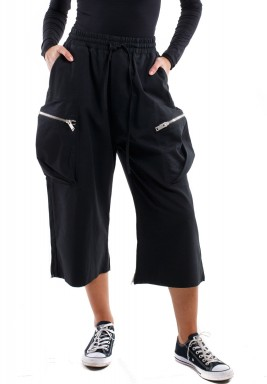 Black Pockets Wide Legged Pants