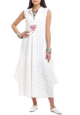 White Heart Ebroidered Kaftan - Preorder
