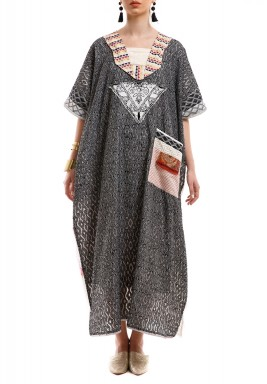 Tribal black & white kaftan