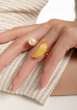 Fan Leaf & Pearl Ring