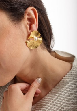 Fan Leaves & pearl Earrings
