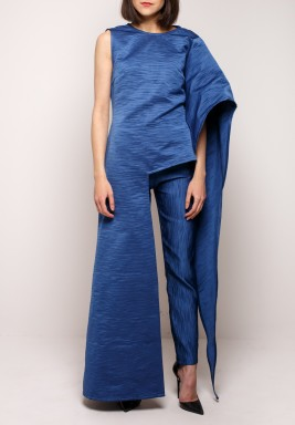 Structured blue set
