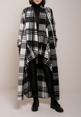 Checkered bisht