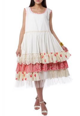 Layered fluffy dress pink