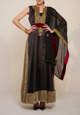 Golden threads kaftan