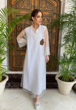 Striped Sleeveless Kaftan With White Tulle