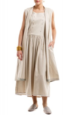 Beige julaih & dress