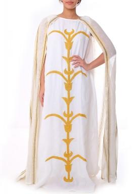 Manari cape