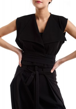 Black Cropped Sleeveless Vest