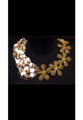 Off White Mother of Pearl Necklace