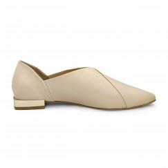 حذاء كريمي جلد بمقدمة مربعة