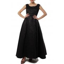 فستان طويل ابيض