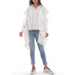 قميص أبيض باكمام فضفاضة مفتوحة