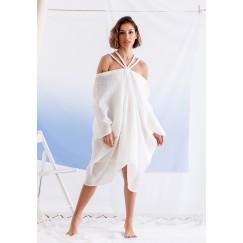 فستان أبيض قصير مضفر