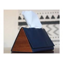صندوق محارم ورقية مثلث كحلي