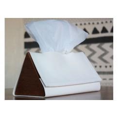 صندوق محارم ورقية مثلث أبيض
