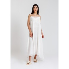 فستان أورجانزا أبيض مخطط