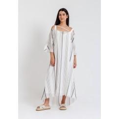 فستان أبيض ورمادي مخطط باكتاف باردة