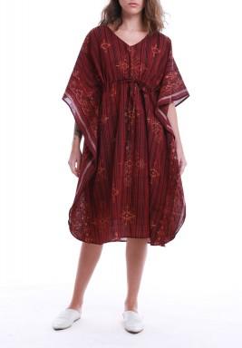 فستان ماروني مطبوع بأكمام قصيرة