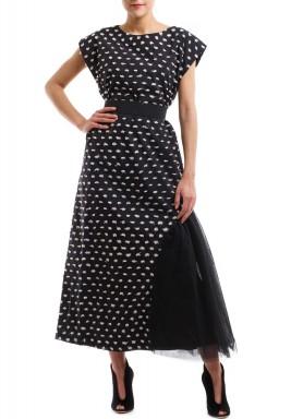 فستان السحُب وكشكوشة جانبية