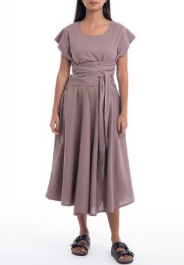 فستان بيج محزم بأكمام قصيرة