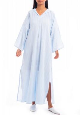 فستان أزرق فاتح مخطط بقبعة