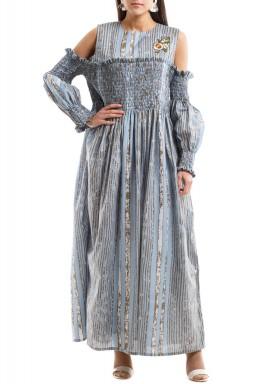 فستان مكشكش بأكمام مقصوصة