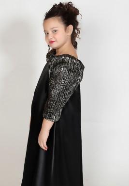 فستان أسود بأكمام جاكار منفوخة