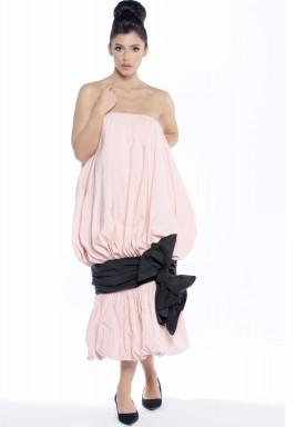 فستان كوكتيل بتصميم القماش المجمع