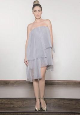 فستان رمادي بكسرات متعدد الطبقات