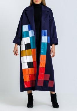 معطف سحابة الكحلي بطبعات ملونة