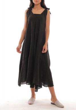 فستان أسود كتان بأربطة وقصة واسعة