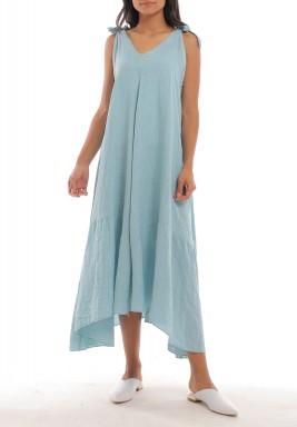فستان أزرق فاتح كتان بقصة واسعة