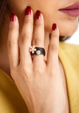 خاتم الوردة وقطرة الندى