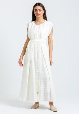 فستان أبيض محزم بدون أكمام