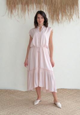 فستان وردي متوسط الطول
