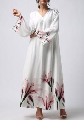 فستان أبيض بطبعة ورود وردية ماكسي