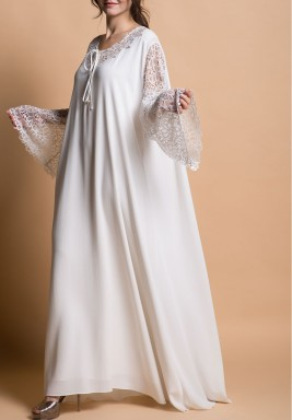 فستان دانتيل أبيض