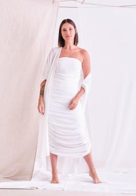 طقم أبيض فستان مزموم وبشت