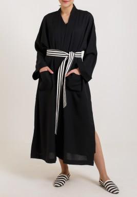 طقم أسود فستان وجاكيت باكمام طويلة