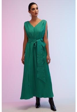 فستان أخضر بكسرات وظهر فضفاض