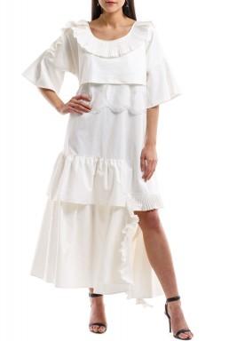 فستان بكشكشة مع دانتيل أبيض