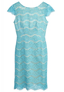 فستان تركواز بفتحة خلفية على شكل حرف V