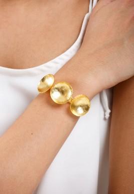 أسوارة العملات المثنية المطلية بالذهب